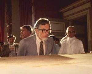 Дон Лінн досліджує Плащаницю у 1978 році - він займався комп'ютерним аналізом зображень реліквії, помер у 2000 році
