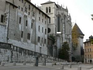 Площа перез замком у Шамбері, де Плащаниця експонувалася 17 серпня 1561 року