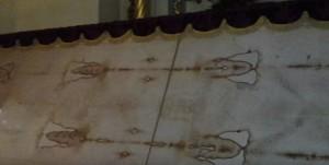 Туринська Плащаниця (копія) у соборі святого Юра у Львові