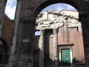 Церква святого Ангела у Римі, в якій зберігаються мощі святого Гетулія